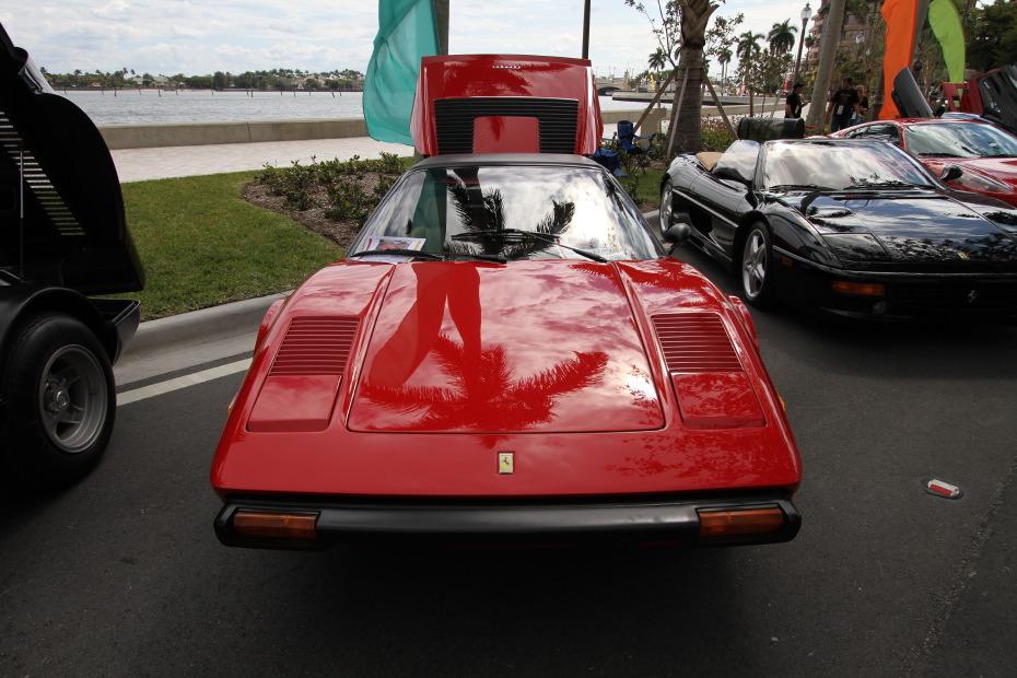 1978-ferrari-308gts-front.JPG
