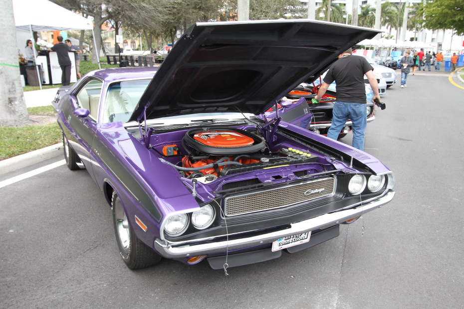 Dodge-Challenger-Purple.JPG