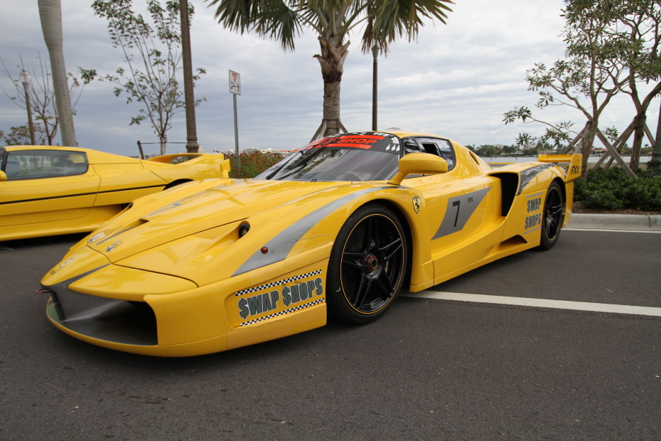 ferrari-fxx-yellow-side.JPG