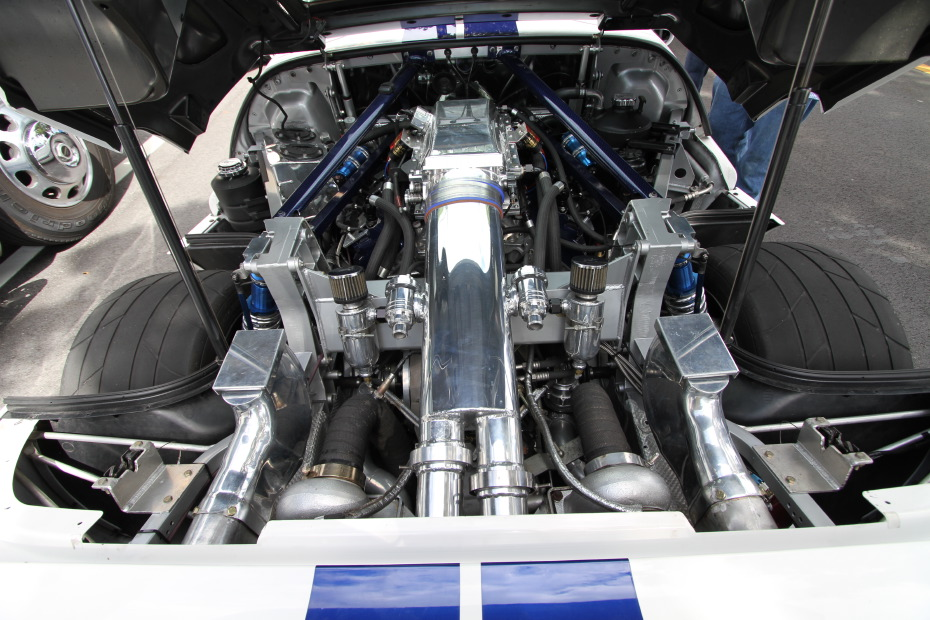 ford-gt-twin-turbo-engine-picture.JPG