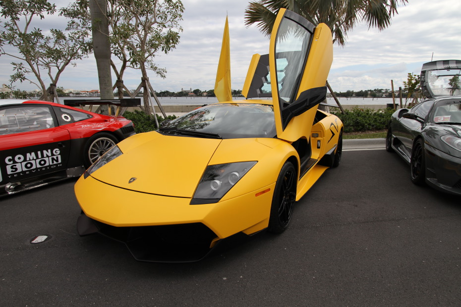 lamborghini-murcielago-lp670-sv-matte-yellow-1.JPG