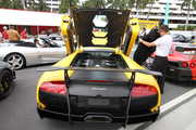 lamborghini-murcielago-lp670-sv-matte-yellow-rear.JPG