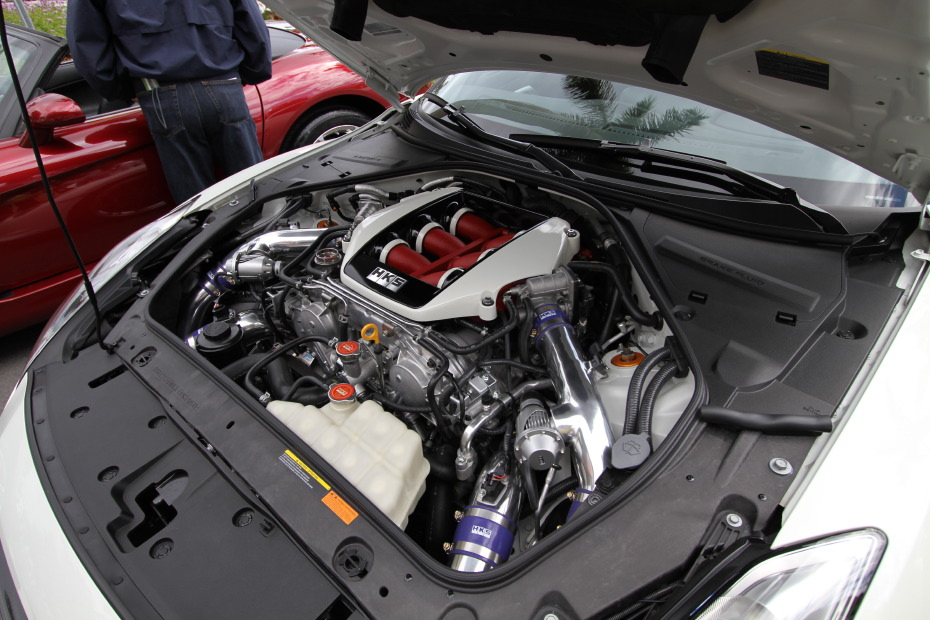 nissan-gtr-white-engine-hks-570-kit.JPG