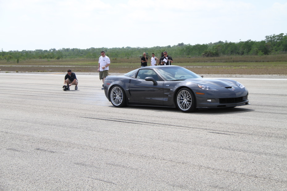 Chevrolet-Corvette-ZR1-Grey-Standing-One-Mile-2555.JPG