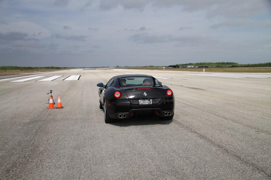 Ferrari-599-black-standing-mile.JPG