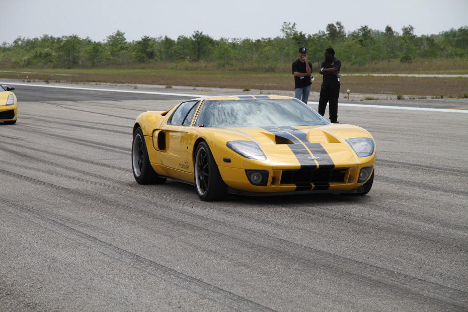 Ford-GT-yellow-1-Standing-One-Mile-2582.JPG