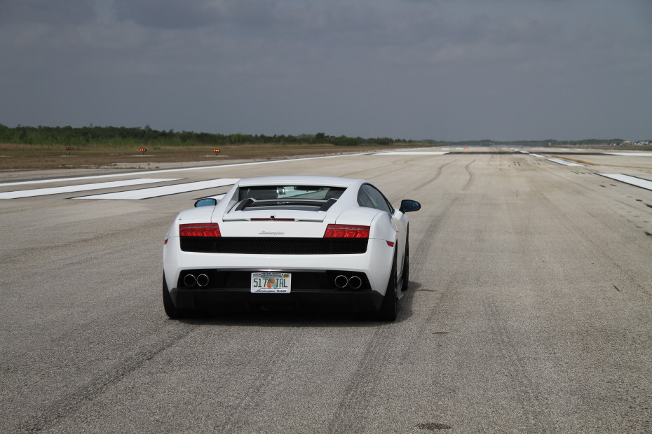 Lamborghini-LP560-4-White-Standing-One-Mile-2548.JPG