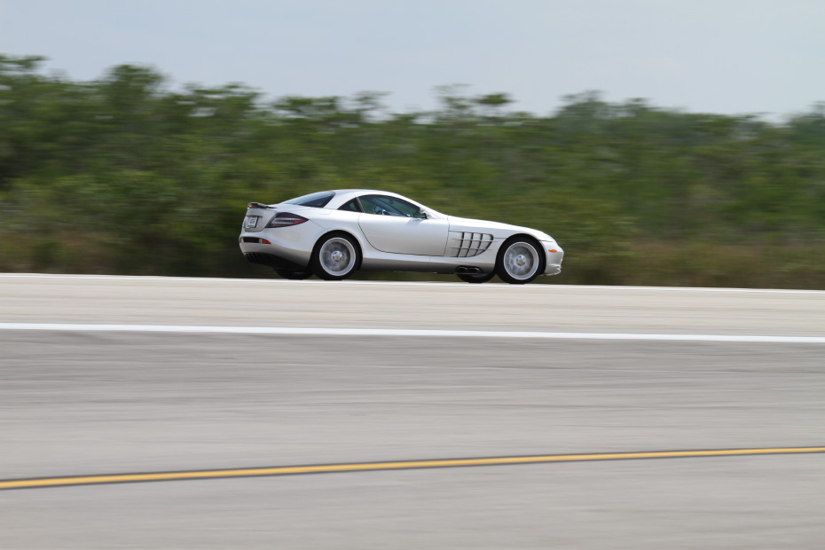 Mercedes-Benz-SLR-1-Standing-One-Mile-2841.JPG