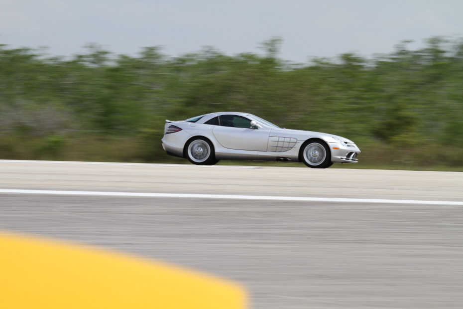 Mercedes-Benz-SLR-2-Standing-One-Mile-2836.JPG