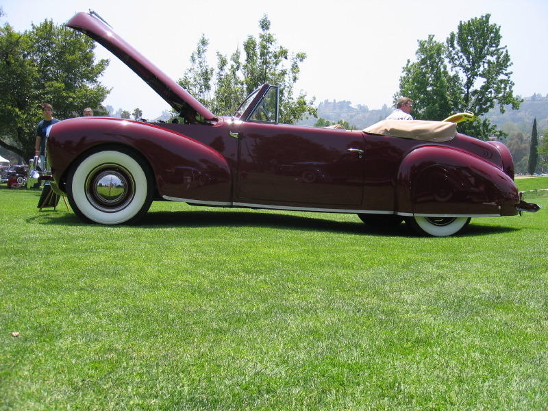 1940 Lincoln Zephyr V-12 Convertible