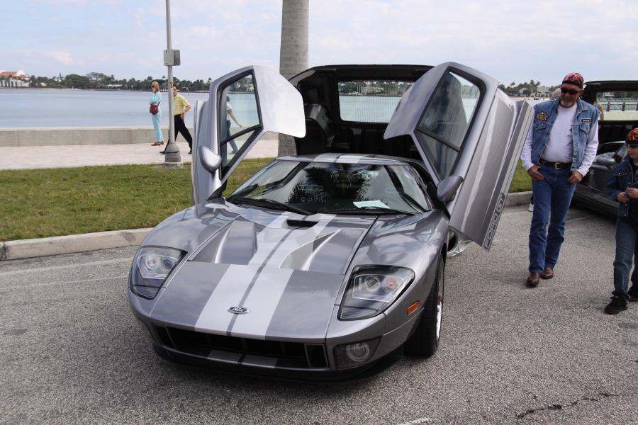 2005-Ford-GT.JPG