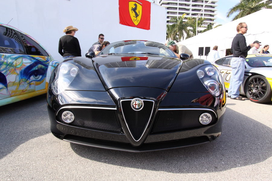 Alfa-Romeo-8C-Competizione-Black-Front-Low-View.JPG