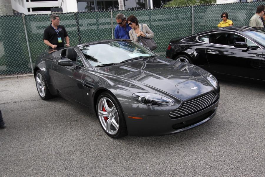 Aston-Martin-Vantage-Grey.JPG