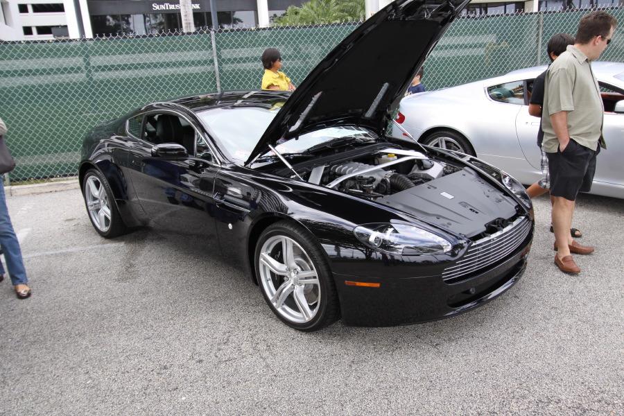 Aston-Martin-Vantage-black.JPG