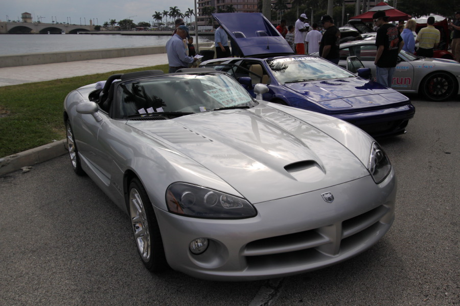 Dodge-Viper-SRT10-silver.JPG