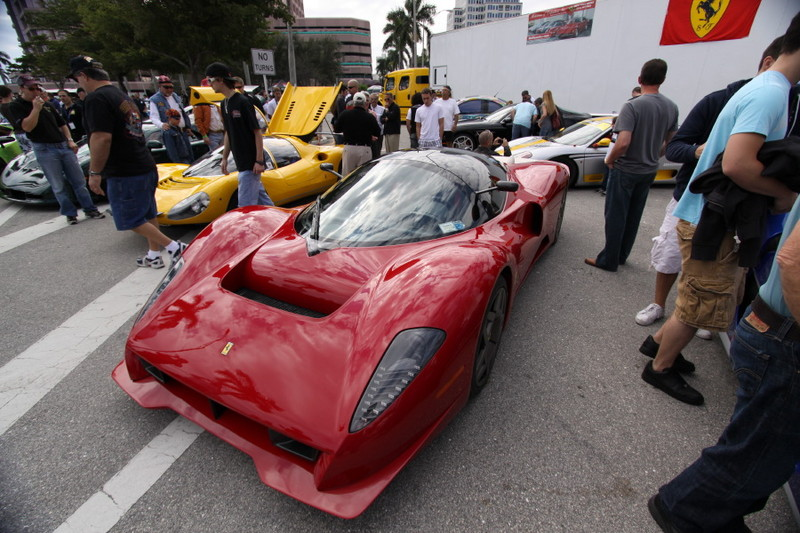 Ferrari-Enzo-Custom-Quarter-View3.JPG