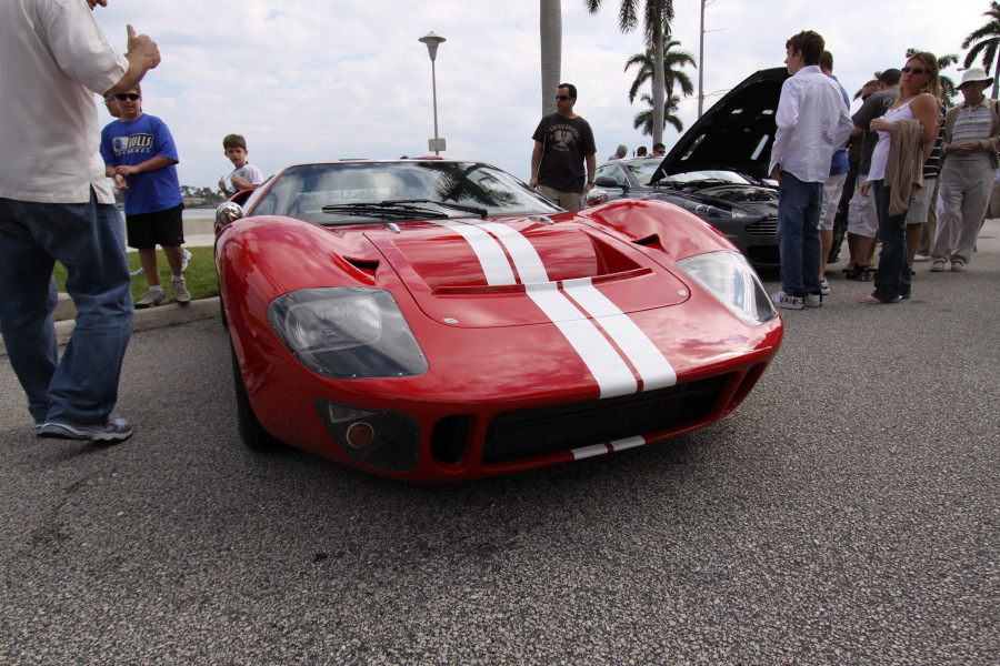 Ford-GT40-Red-White-8235.JPG
