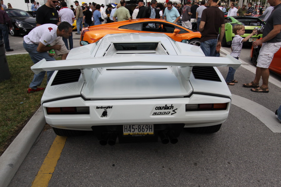 Lamborghini-Countach-5000-S-rear-view.JPG