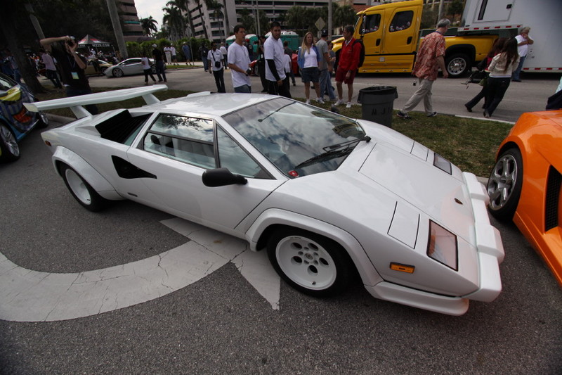 Lamborghini-Coutach-side-view.JPG