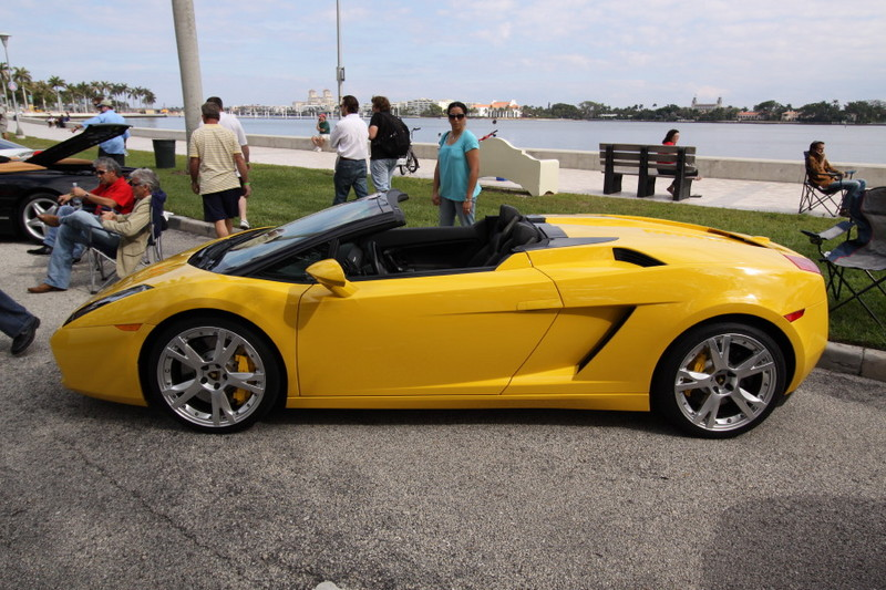 Lamborghini-Gallardo-Spyder-Yellow-Side-View.JPG