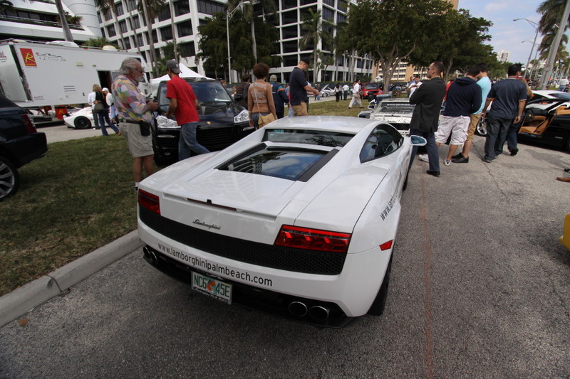 Lamborghini-Gallardo-White-rear-view.JPG