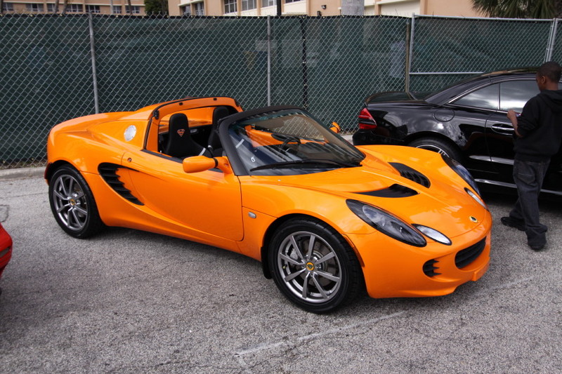 Lotus-Elise-Orange.JPG