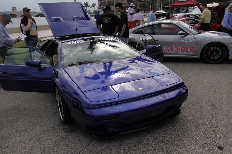 Lotus-Espirit-Blue-Front-View.JPG