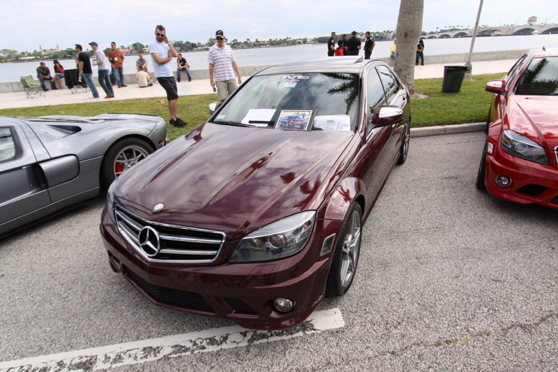 Mercedes-Benz-C63-AMG-Dark-Red-Front-View.JPG