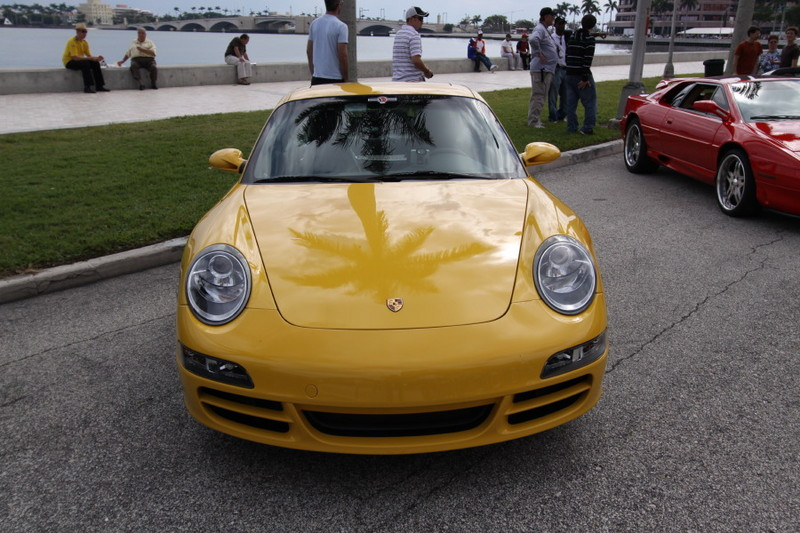 Porsche-911-yellow-front-view.JPG