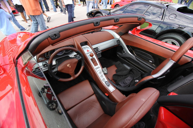 Porsche-Carrera-GT-Interior-View.JPG