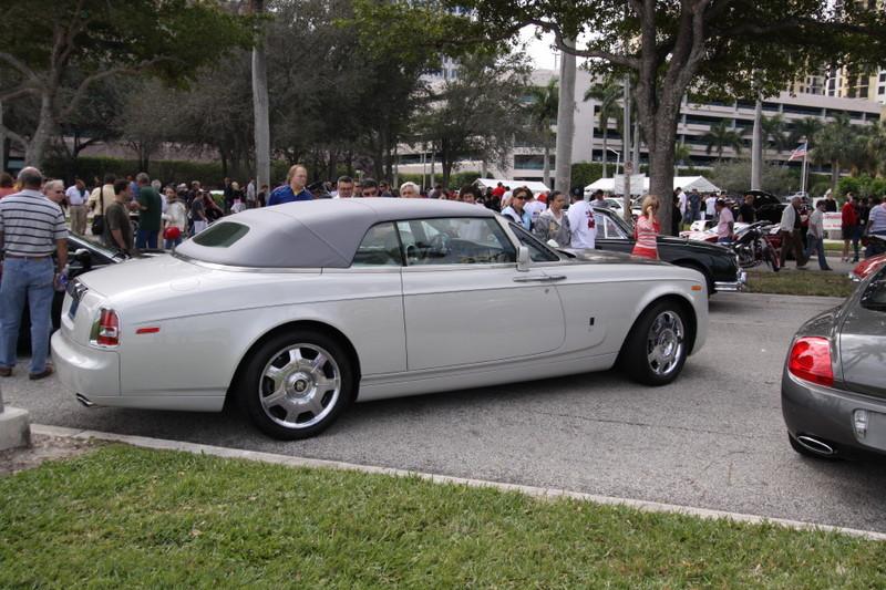 Rolls-Royce-Phantom-Drophead-white.JPG