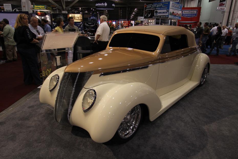1937-Ford-Cabriolet-1.JPG