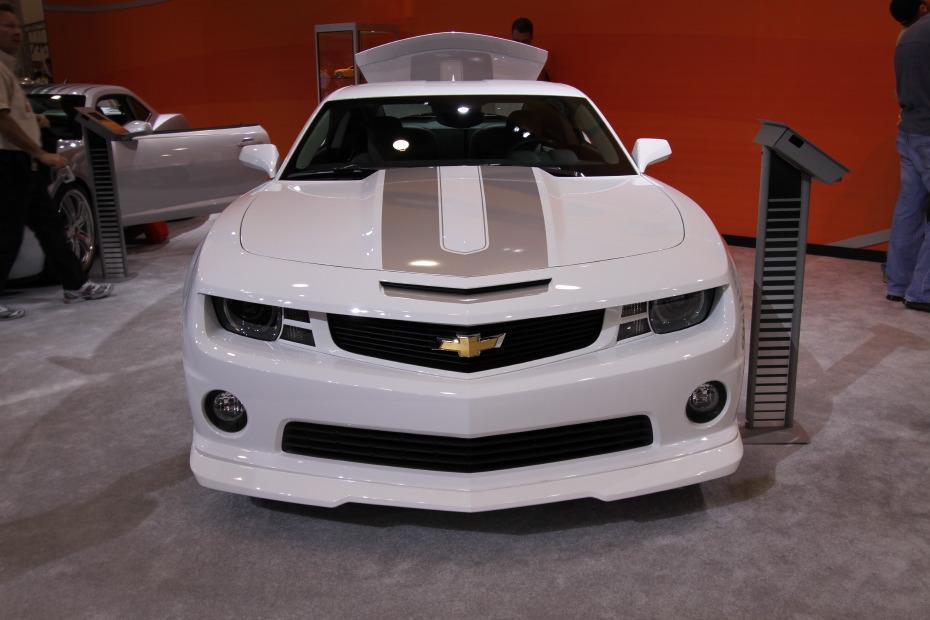 2010-Chevrolet-Camaro-Chroma-1.JPG