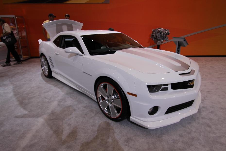 2010-Chevrolet-Camaro-Chroma-2.JPG