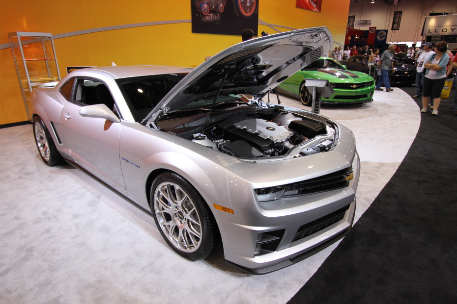 2010-Chevrolet-Camaro-Leno-Sema-Concept-1.JPG