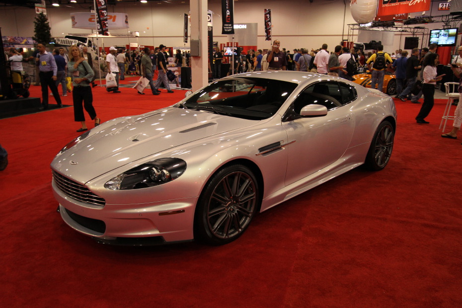 Aston-Martin-Silver.JPG