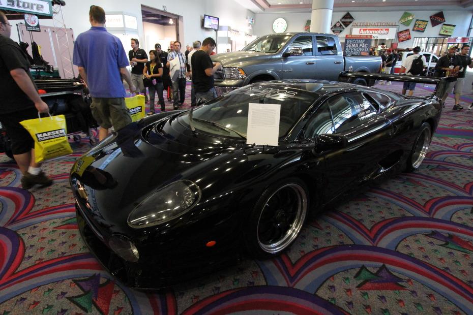 Jaguar-XJ220S.JPG