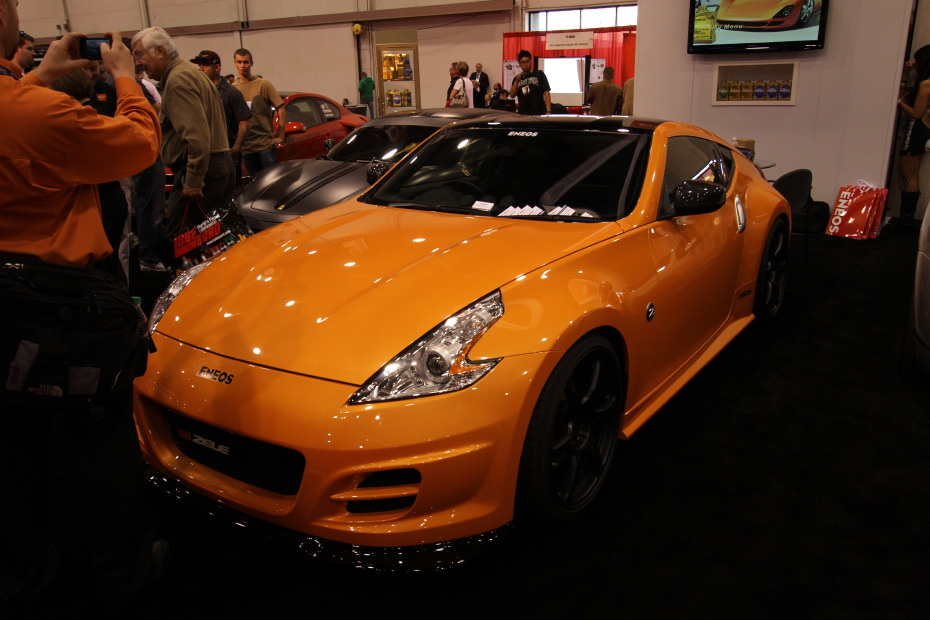Nissan-370Z-Orange-1.JPG