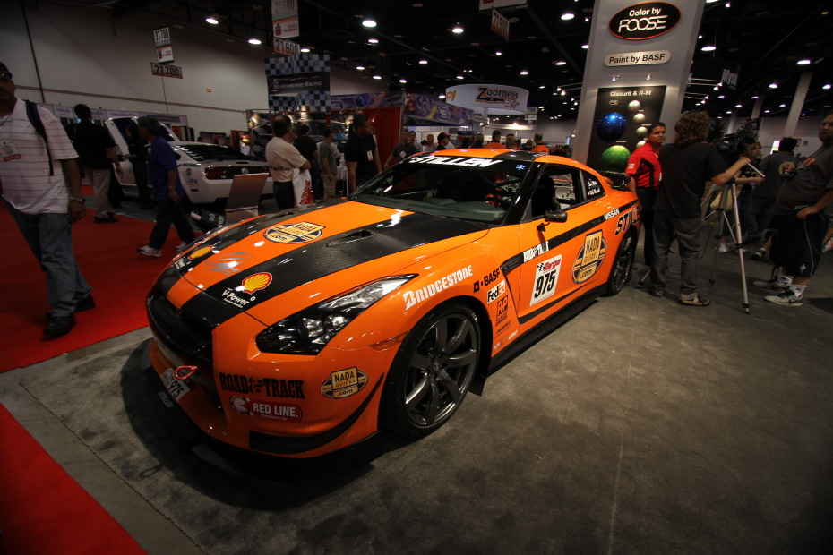 Stillen-Nissan-GT-R-Orange-2.JPG
