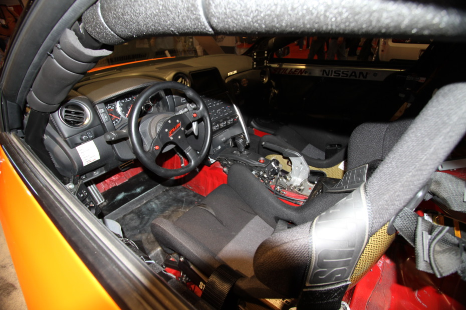 Stillen-Nissan-GT-R-Orange-interior.JPG
