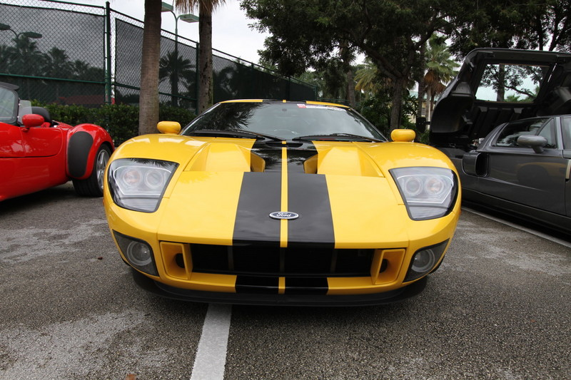 2011-Toy-Rally-Ford-GT-Yellow-Black-2.JPG