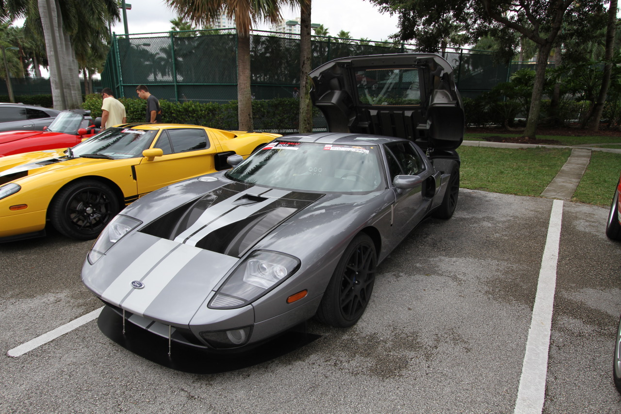 2011-Toy-Rally-Ford-GT-tungsten-1.JPG