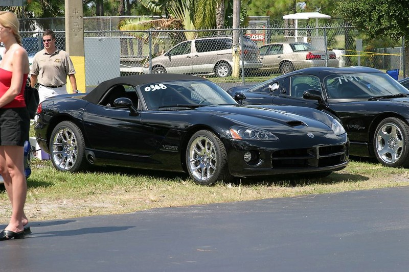 dodge-viper-shootout-2240.jpg