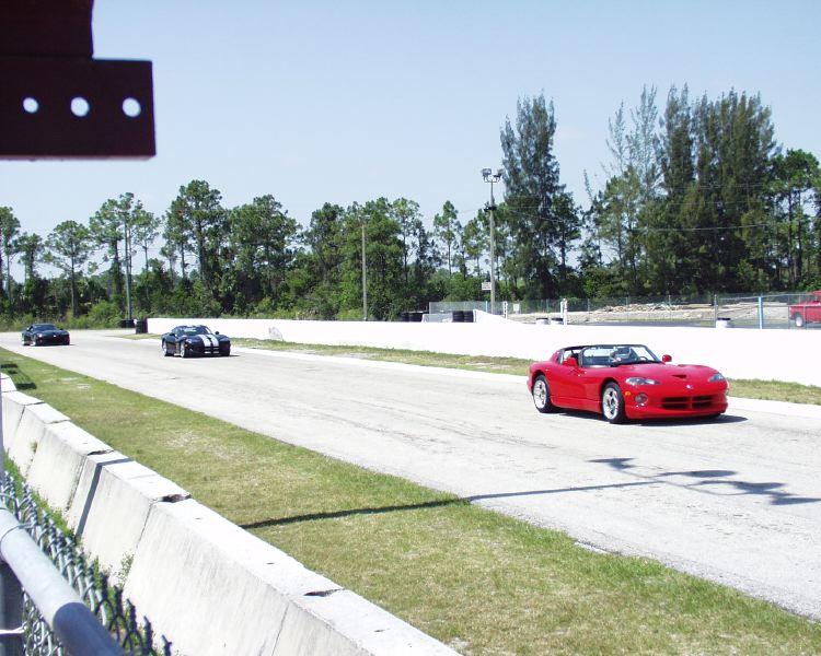 viper-corvette-5200007.jpg