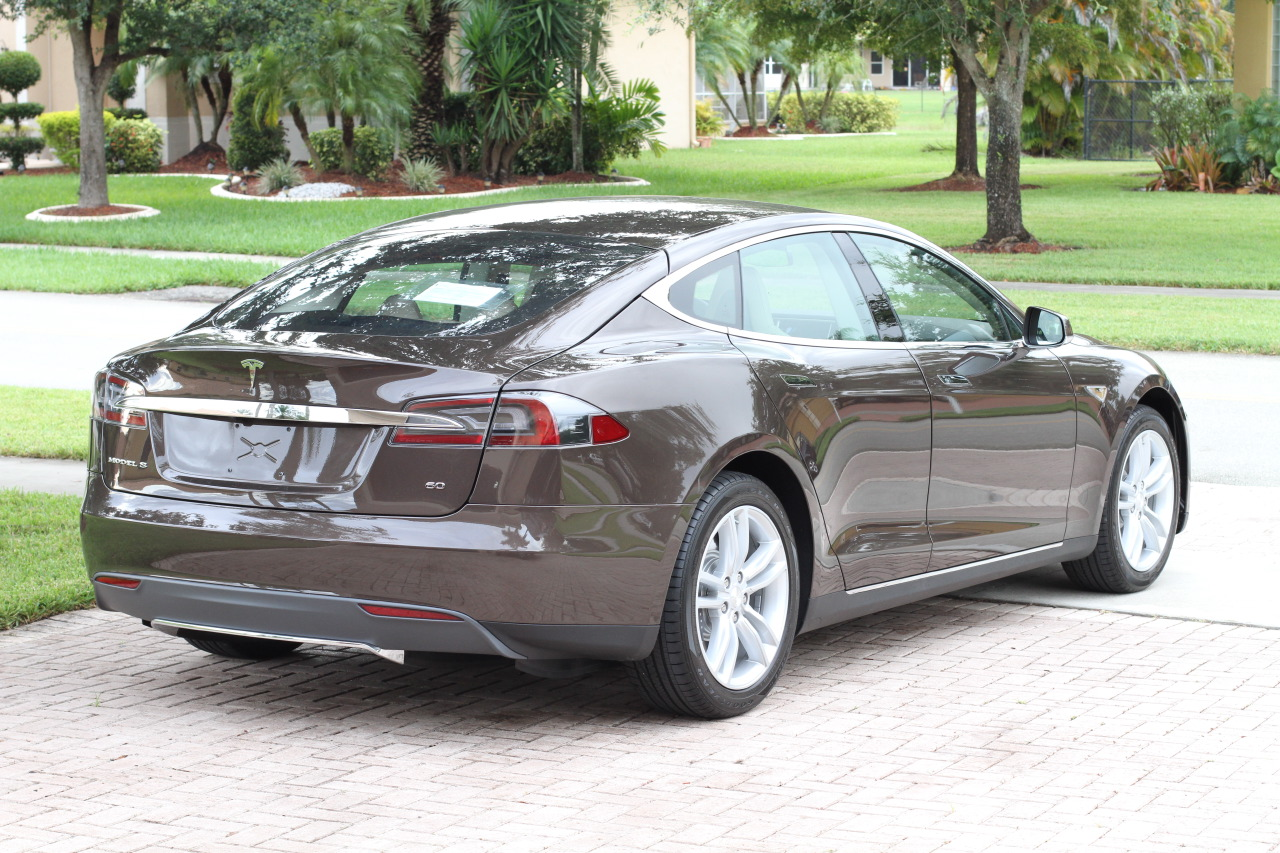 tesla model s 60 kwh vs tesla model s 85 kwh performance