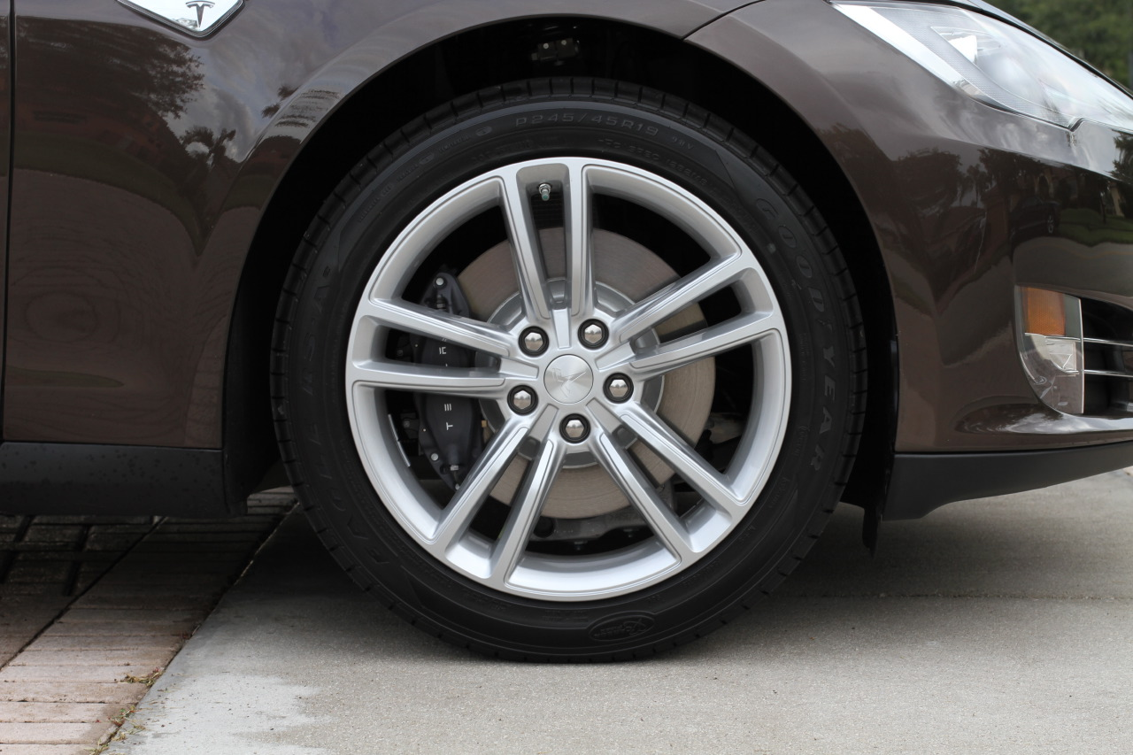 2013-tesla-model-s-60-brown-006