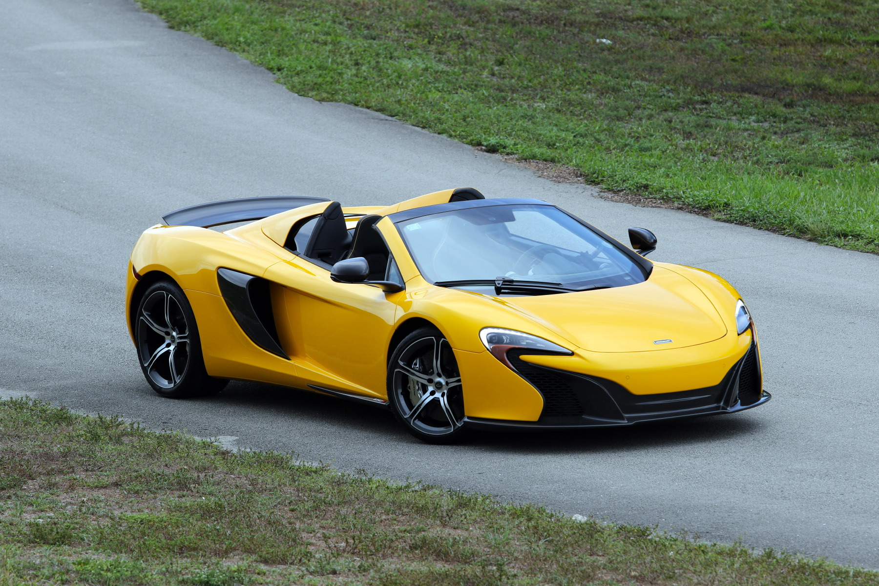 2015 mclaren 650s spider volcano yellow picture gallery drag racing fast cars. Black Bedroom Furniture Sets. Home Design Ideas
