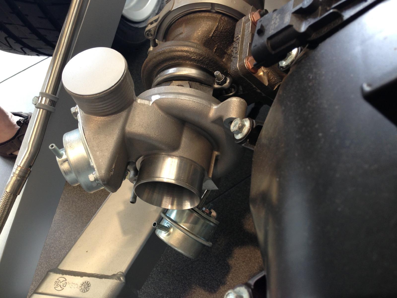 Turbo Mclaren Mclaren-mp4-12c-bare-turbo