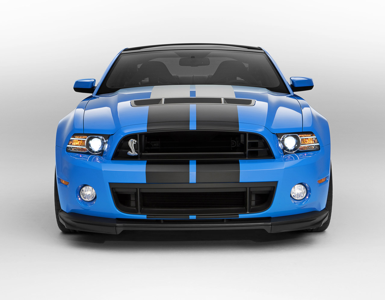 2013 Ford Shelby Mustang GT500 with 650HP and 200MPH