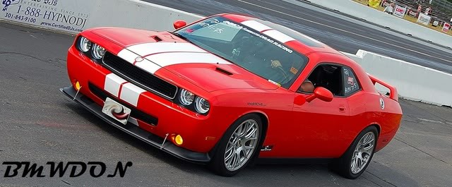 Dodge-Challenger SRT8